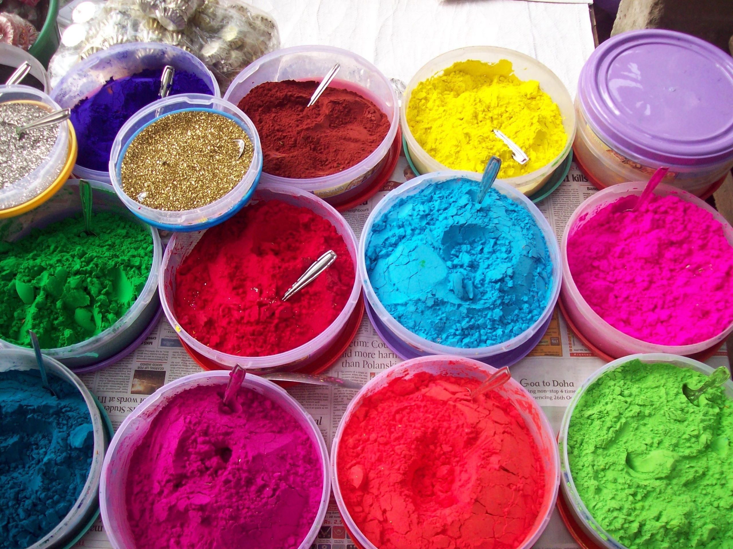 綺麗な色は石油から